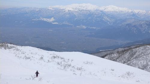 白く輝く白山